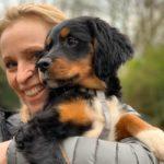 Griekse pup Luca (Noel) wordt door zijn baasje opgehaald